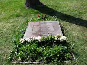 Fazlur R. Khan gravesite