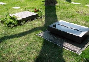 Bruce Graham's memorial stone and Fazlur & Liselotte Khan's gravestone